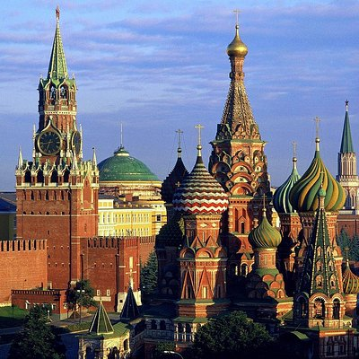 St. Basil Catedral and Kremlin