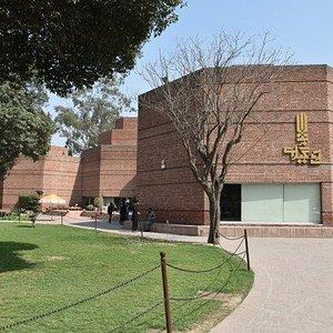 Alhamra Art Centre gallery