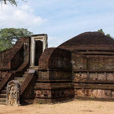 Manik Vehera Polonnaruwa