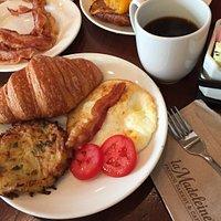 breakfast plates