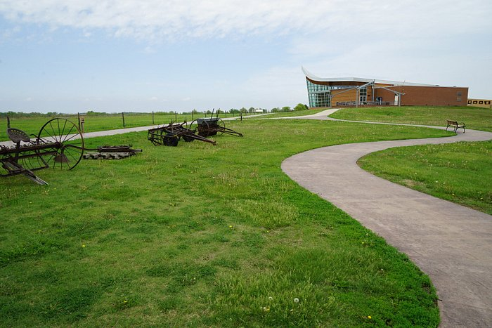 The paths around the visitor center are accessible