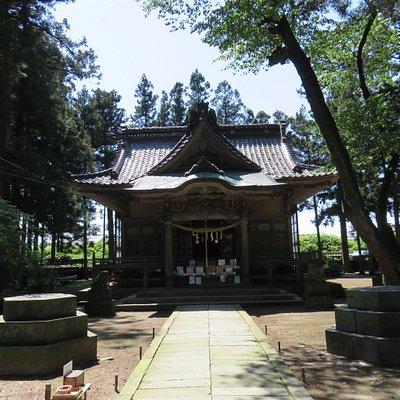 面白い神社で神社の方も親切です。 村上市に行ったら是非オススメの1件です。