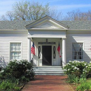 Headquarters House Museum - House built in 1853