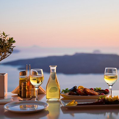 we can't imagine a better way to start your day in Santorini & get a crash course in Greek cuisi