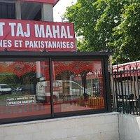 Taj mahal avec petite terrasse sur le côté