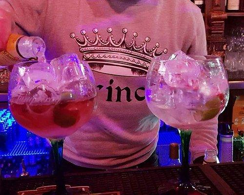 Ricardo is a fanastic barman!
