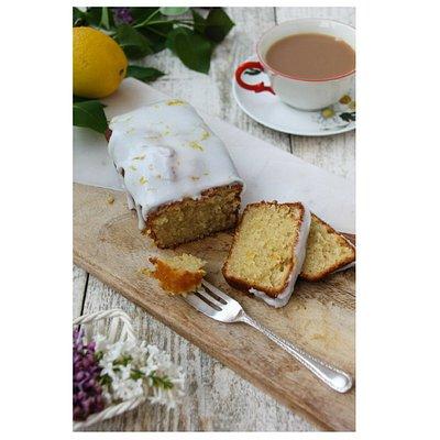 Lemon drizzle cake - Yum!