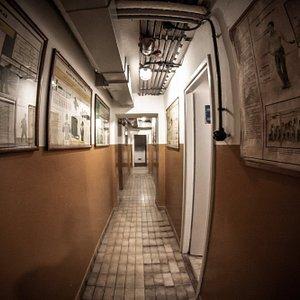Główny korytarz w schronie, fot. M. Kawecki