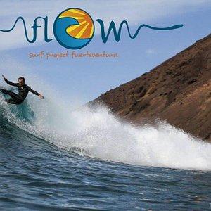Surfer & Instructor :Emilio Marques