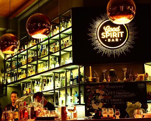 Mega tolle Bar! tolle Auswahl, super Service, schönes Ambiente!
