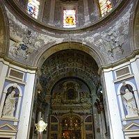 zicht binnen de kathedraal
