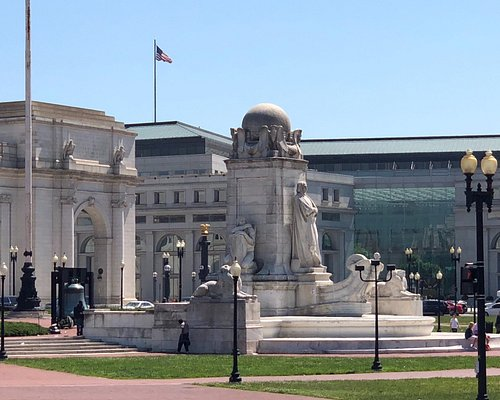 Monumental Statue Group