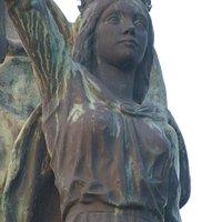 Estatua de Isabel La Católica