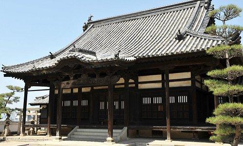 江戸期に再建された本堂
