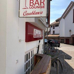 Die Cocktail- und Shisha Lounge bei Tag
