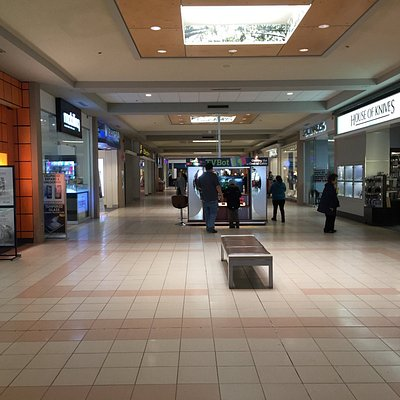 Pine Centre Mall