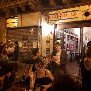Outside Bar Garibaldi