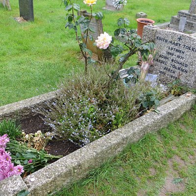 the joint grave of Tolkien and his wife
