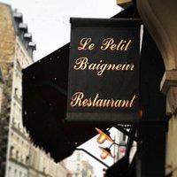 Le restaurant ;