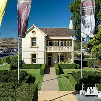 Albury's Visitor Centre is housed within the former Railway Station Master's residence.