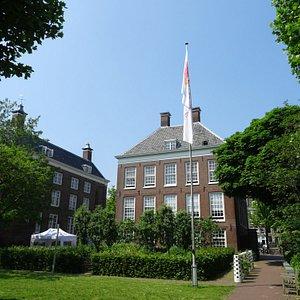 De openbare Hoftuin van Amstelhoven achter de Hermitage
