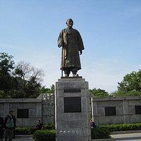 イ・サンジェの銅像