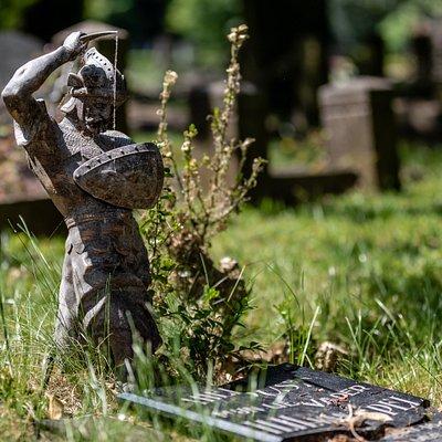 Een monument op het oudste deel van de begraafplaats