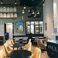 Quelques photos de l'espace Borders et de la boulangerie Paul