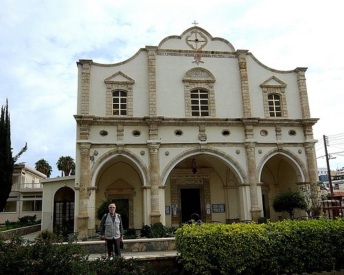 Фото 1. Фасад церкви
