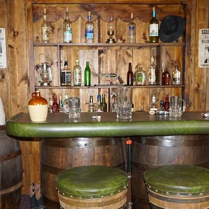 Full Setup Saloon