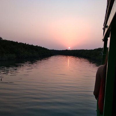 Watching sunset view while boating calm you to the most profound level
