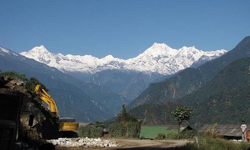 OneWay PrivateTransfer from Bagdogra Airport IXB or Darjeeling To Pelling Drop