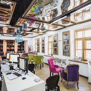 Открытая гостиная Центральной библиотеки им. М.Ю. Лермонтова. Здесь можно поработать и почитать