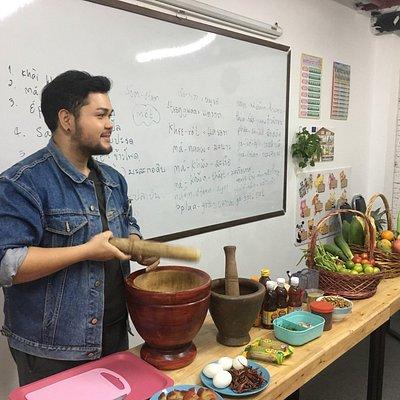 Thai Culture Class: Cooking Som-tum
