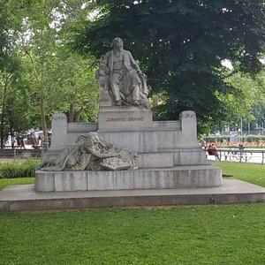 Brahms Statue
