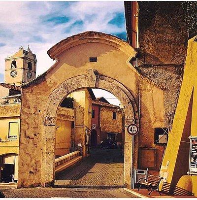 Ingresso centro storico Montalto ai giorni nostri