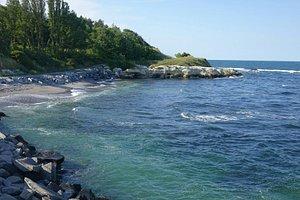 Tsarevo - kleine Buchten mit brechenden Wellen