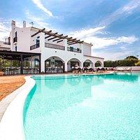 Panoramica del ristorante e della piscina