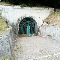 Rifugio antiaereo della collina del castello di UD