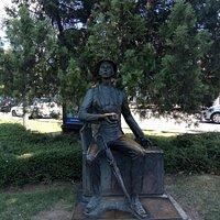 Памятник Гость Города