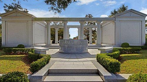 Lake Lawn Metairie Funeral Home & Cemeteries