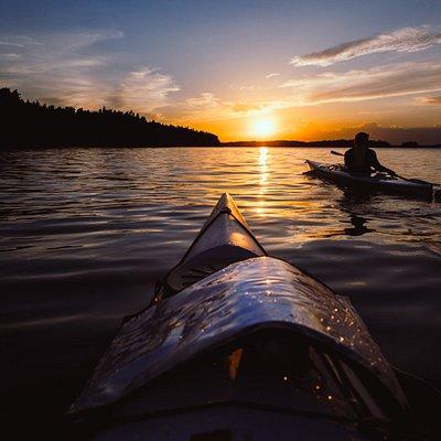 Sunset kayak adventure in Stockholm Archipelago
