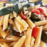 Semifreddo All'Eoliano Piatto Tipico di Vulcano, con Prodotto al Naturale: Pasta, Pomodorino Pac