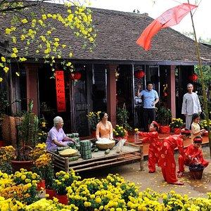 Tet-Holiday-vietnam-travel-group-excursion