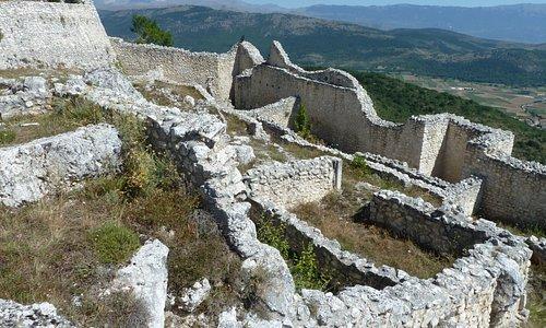 Castello di Bominaco...