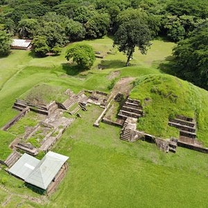 Another shot of the Mayan ruins from above