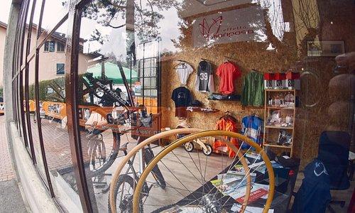 our shop near Ghisallo Wooden Rims Workshop