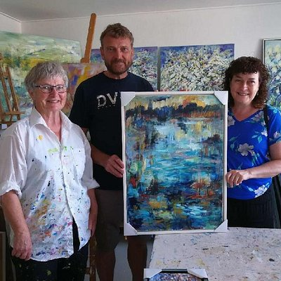The artist: Birthe Marie Fyrst and 2 happy customers