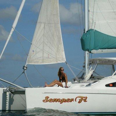 Sailing to Laughing Bird Caye
