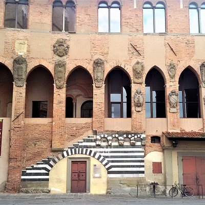 Palazzo dei Vescovi - Pistoia.
